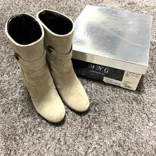 MNG イタリア製 牛革 ブーツ スエードブーツ 【送料込み】ショートブーツ(ブーツ)