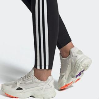 アディダス(adidas)のadidas falcon 23.5cm(スニーカー)