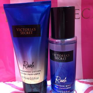 ヴィクトリアズシークレット(Victoria's Secret)のヴィクトリアシークレットハンドクリーム&ミストセット!中古(ハンドクリーム)
