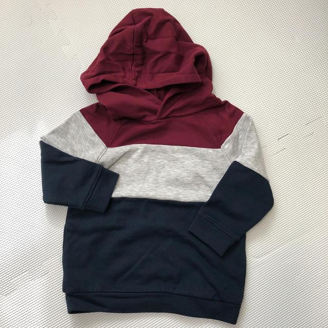 H&M(エイチアンドエム)のH&M⭐︎パーカー キッズ/ベビー/マタニティのキッズ服男の子用(90cm~)(ジャケット/上着)の商品写真