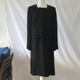 アールユー(RU)の美品RUnoir東京ソワール大きいサイズ可愛い喪服セットアップスーツ、サイズ15(礼服/喪服)
