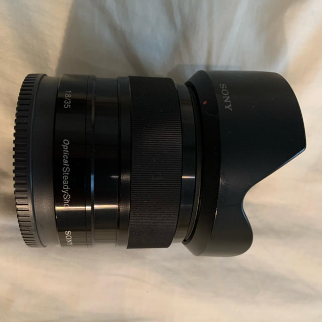 SONY(ソニー)の【美品】SONY 単焦点レンズ E 35mm F1.8 OSS SEL35F18 スマホ/家電/カメラのカメラ(レンズ(単焦点))の商品写真