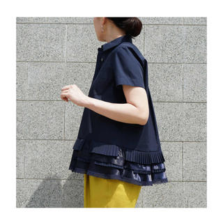sacai - 新品 未使用 ★ sacai サカイ フレア フリル プリーツ シャツ 紺