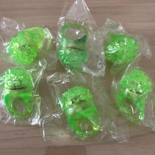 キラキラリング フラッシュリング 6点セット 緑(リング(指輪))