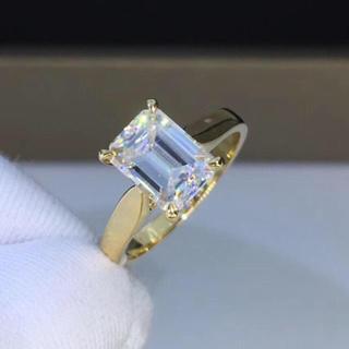 【1.5カラット】輝くエメラルド モアサナイト  k18イエローゴールド リング(リング(指輪))