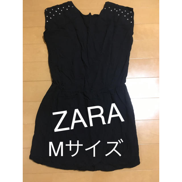 ZARA(ザラ)のZARA スタッズ付 チュニック 黒 Mサイズ レディースのトップス(チュニック)の商品写真
