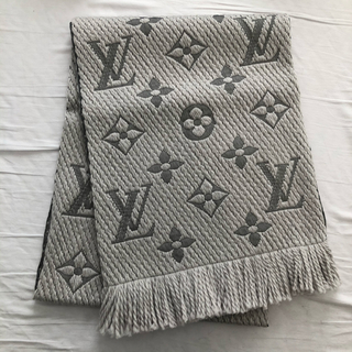 LOUIS VUITTON - 新品未使用 ルイヴィトン マフラー