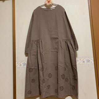 SM2 - 新品☆Samansa Mos2 TC起毛刺しゅうワンピース ベージュ モカ