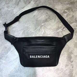 Balenciaga - バレンシアガボディーバッグ ユニセックス