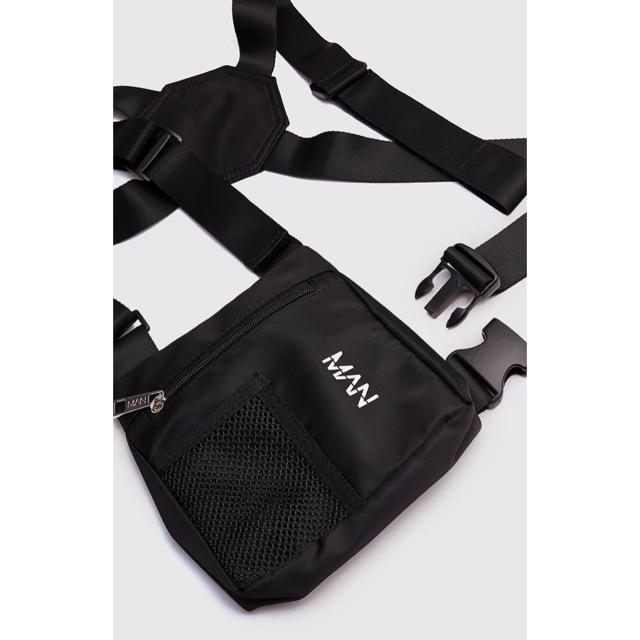 ZARA(ザラ)のasos boohoo チェストバッグ ボディバッグ MAN ブラック 114 メンズのバッグ(ボディーバッグ)の商品写真
