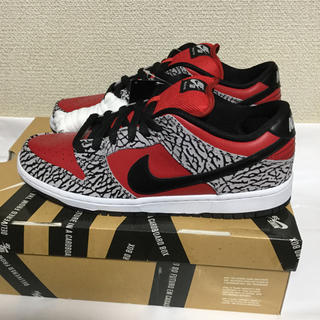 Supreme - NIKE DUNK LOW SB