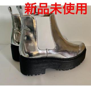 ジェフリーキャンベル(JEFFREY CAMPBELL)のジェフリーキャンベル ブーツ 厚底 シルバー(ブーツ)
