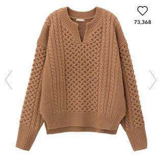 ジーユー(GU)の新品GUケーブルキーネックセーター(ニット/セーター)