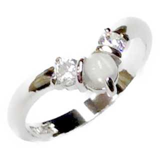 ムーンストーン&キュービック SILVER925 指が細く長く見えるV字リング(リング(指輪))