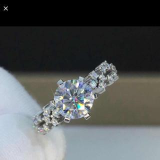 【newデザイン】輝く1カラット  モアサナイト ダイヤ リング(リング(指輪))