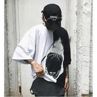 【個性派デザイン】サメ柄ビックプリント Tシャツ(Tシャツ/カットソー(半袖/袖なし))