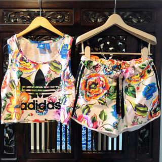 アディダス(adidas)のアディダス adidas 花柄 上下 SM セットアップ ジャージ オリジナルス(Tシャツ(半袖/袖なし))