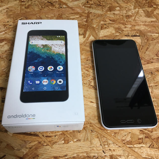 SHARP(シャープ)のアンドロイドAndroid スマートフォン 美品 スマホ/家電/カメラのスマートフォン/携帯電話(スマートフォン本体)の商品写真