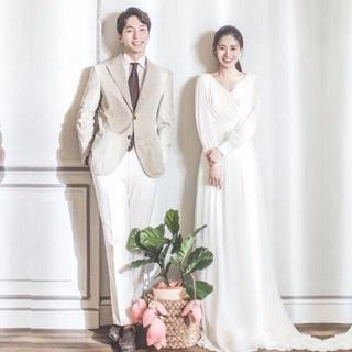 ウエディングドレス ふんわりシフォン ミニトレーン Vネックドレス 結婚式/披露