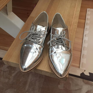 フォーエバートゥエンティーワン(FOREVER 21)のオックスフォード   シルバー   23センチ   フォーエバー21(ローファー/革靴)
