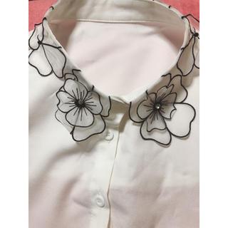 スタイルナンダ(STYLENANDA)の襟 フラワー(つけ襟)