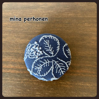 mina perhonen - mina perhonen ミナペルホネン  サンキューベリーバッジ