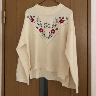 ダブルクローゼット(w closet)のダブルクローゼット 刺繍ニット(ニット/セーター)