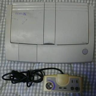 エヌイーシー(NEC)のPCエンジンDUO-RX本体とコントローラーのセット (家庭用ゲーム機本体)