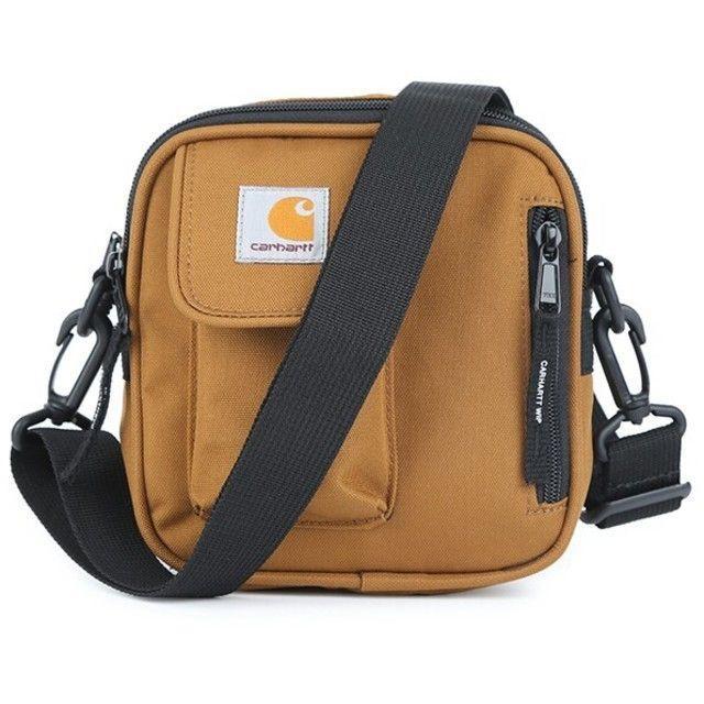 carhartt(カーハート)の残り1点【新品】CarHartt ポーチ ストラップ付き キャラメル カーハート メンズのバッグ(ショルダーバッグ)の商品写真