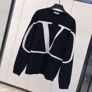 ヴァレンティノ(VALENTINO)のVALENTINO Vロゴ セーター(ニット/セーター)