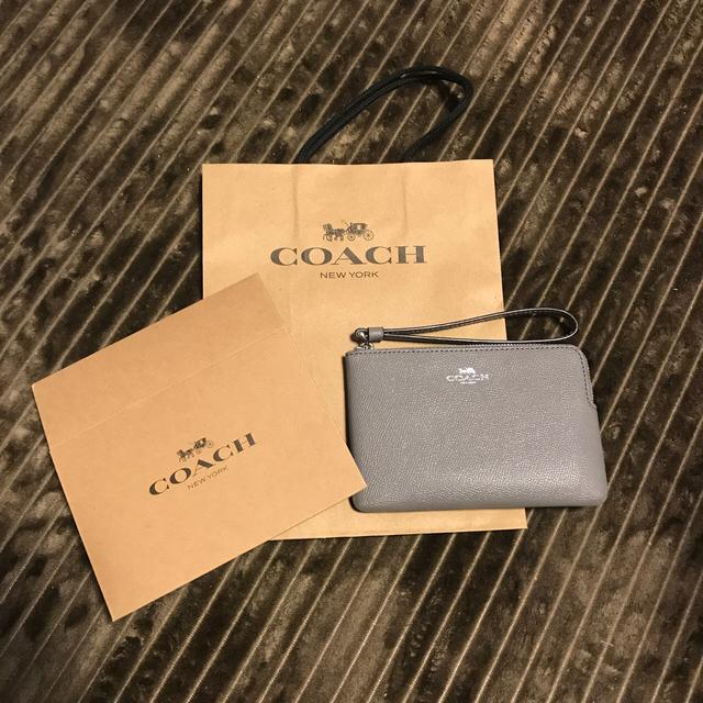 COACH(コーチ)のコーチ ミニポーチ グレー  レディースのファッション小物(ポーチ)の商品写真