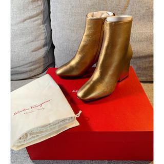 フェラガモ(Ferragamo)のFerragamo ショットブーツ 正規品 新品(ブーツ)