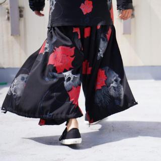 Yohji Yamamoto - yohji yamamoto 18aw ラップバルーンパンツ 黒無地