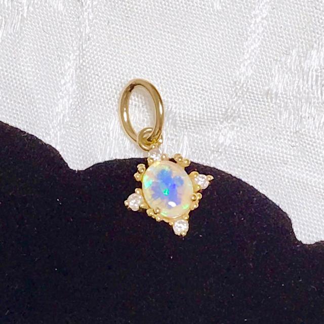 agete(アガット)のagete CLASSIC アガット K18 オパール ダイヤモンド チャーム レディースのアクセサリー(チャーム)の商品写真