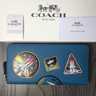 コーチ(COACH)のCOACH スペース パッチワーク ラウンドファスナー長財布  ブルー系(財布)