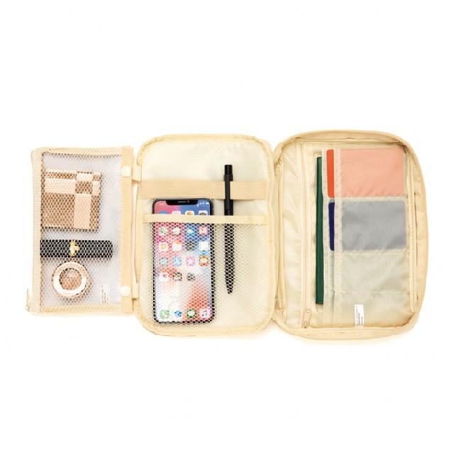InRed 1月号付録 ムーミン10ポケットのマルチケース レディースのファッション小物(ポーチ)の商品写真