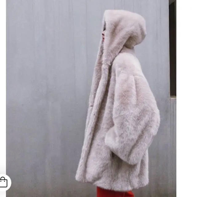 CLANE HOOD FUR COAT レディースのジャケット/アウター(毛皮/ファーコート)の商品写真