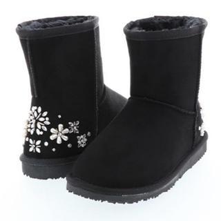 ランダ(RANDA)のランダ ビジュー キラキラ ムートンブーツ お花 フラワービジュー(ブーツ)