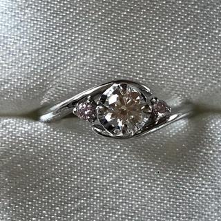 婚約指輪 8号希少 天然ピンクダイヤ付 0.3ct  最高 Dカラー 上質(リング(指輪))