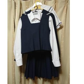 制服(セーラー服の夏と冬,ベストのブラウス付き)