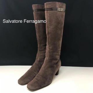 サルヴァトーレフェラガモ(Salvatore Ferragamo)のサルヴァトーレ フェラガモ   ロングブーツ スエード ブラウン(ブーツ)