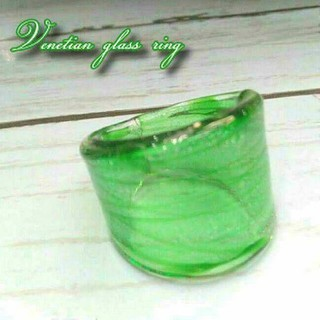 VR7 人気のクリスマスグリーン ボーダー ベネチアガラス ベネチアリング 指輪(リング(指輪))