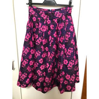 アンドクチュール(And Couture)のAnd Couture  フラワーフレアスカート(ひざ丈スカート)
