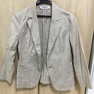 ナチュラルビューティーベーシック(NATURAL BEAUTY BASIC)のベージュ スーツ(スーツ)