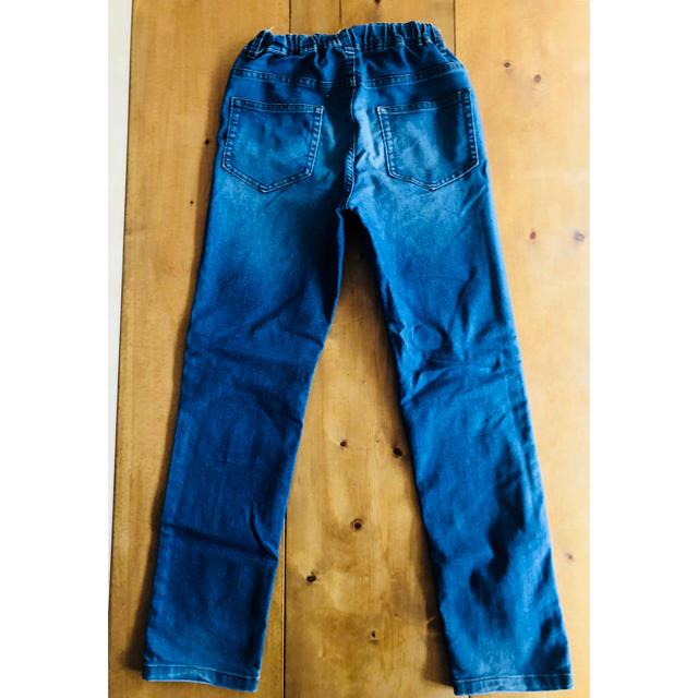 GU(ジーユー)のジーンズ   140㎝ キッズ/ベビー/マタニティのキッズ服男の子用(90cm~)(パンツ/スパッツ)の商品写真