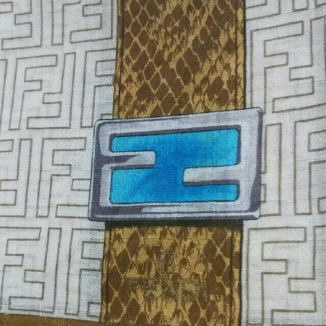 FENDI(フェンディ)の【中古】FENDI☆ハンカチ レディースのファッション小物(ハンカチ)の商品写真