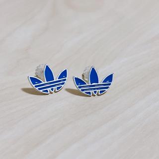 アディダス(adidas)のadidas ピアス (ブルー) 未使用品(ピアス)
