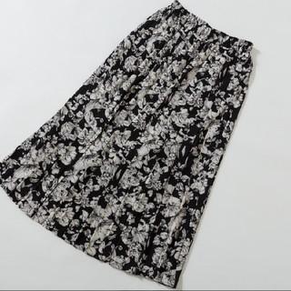 しまむら - しまむら プチプラのあや サテンプリーツスカート 花柄