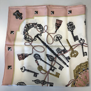 Hermes - HERMES エルメス★カレ90 スカーフ「LES CLES」ピンク 鍵