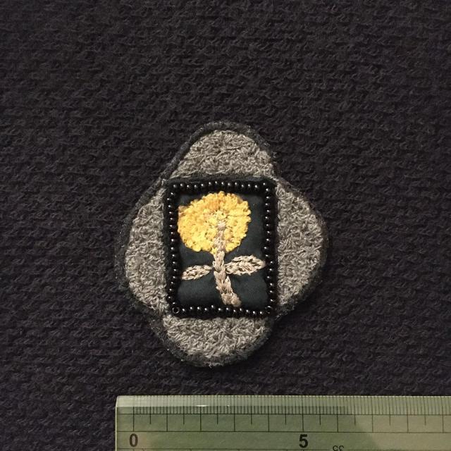 mina perhonen(ミナペルホネン)のミナペルホネンハンドメイドブローチ ハンドメイドのアクセサリー(コサージュ/ブローチ)の商品写真